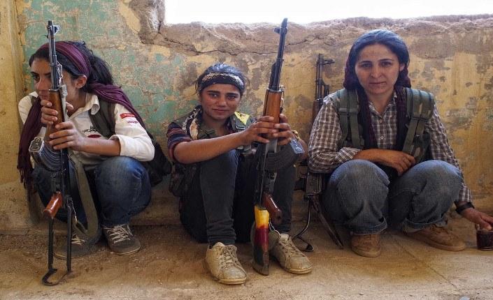 Le combattenti dell'YPJ di Kobane