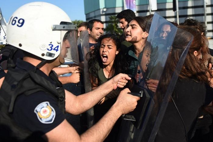 Contro i meccanismi repressivi del governo turco