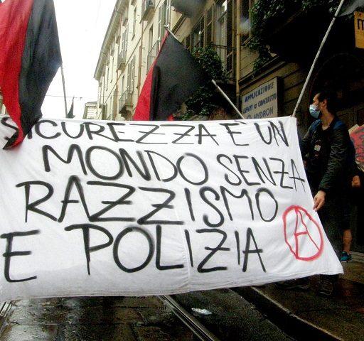 Corteo antirazzista a Torino