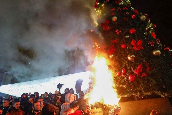 Proteste in Albania contro la violenza della polizia