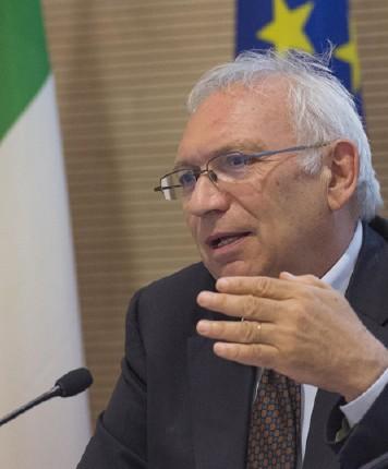 Intervista a Cosimo Scarinzi (C.u.b. Scuola)