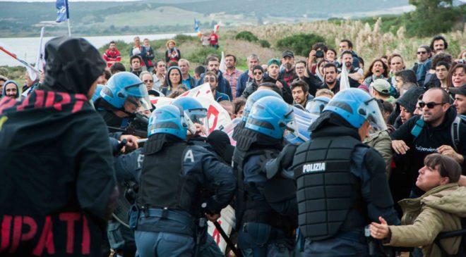Servitù militari in Sardegna: generali sotto accusa ma chi si oppone è un terrorista