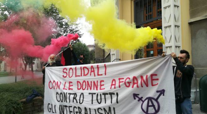 Torino: Solidali con le donne afgane. Contestazione al movimento per la vita